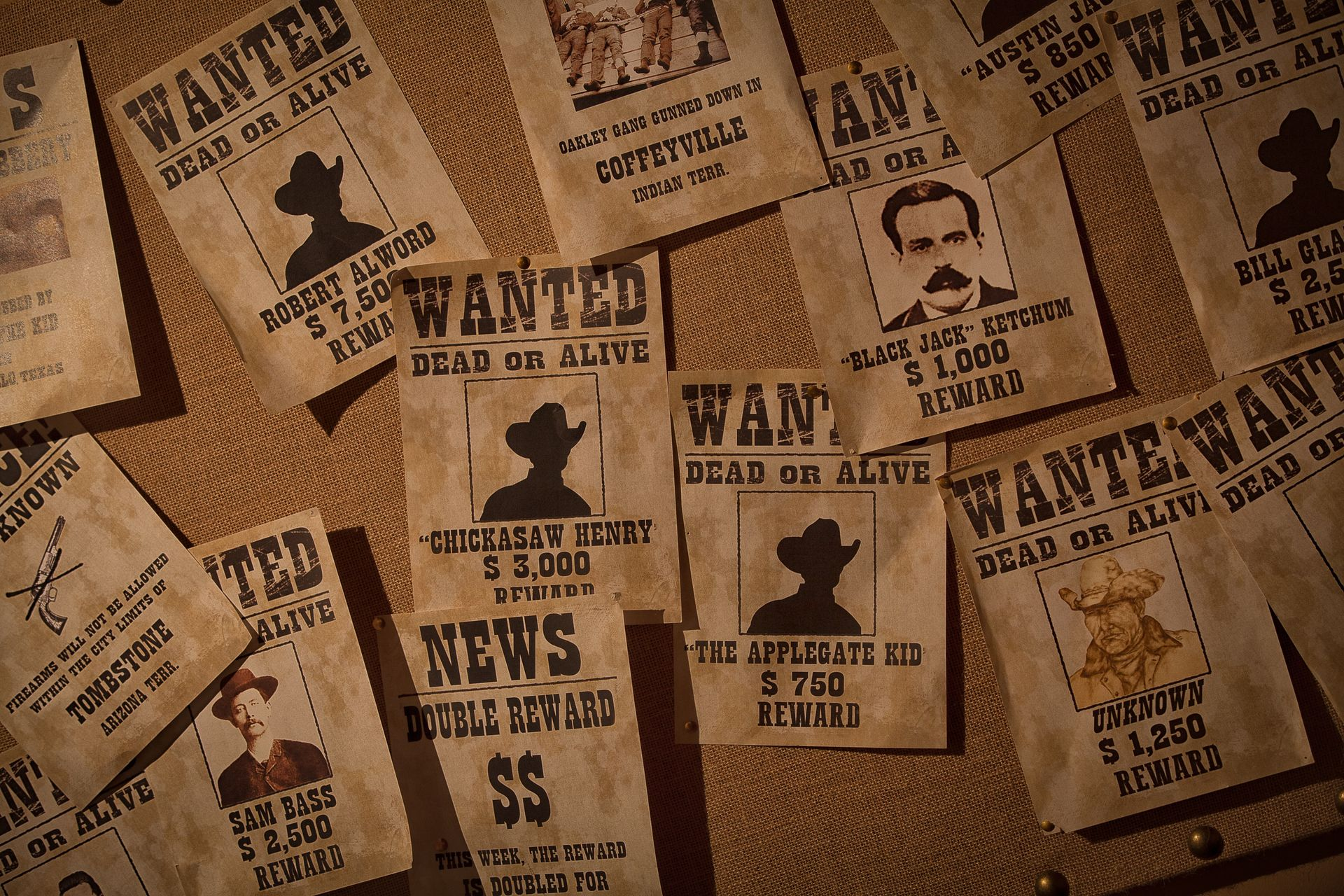 Western Escape Room  - Wanted Posters